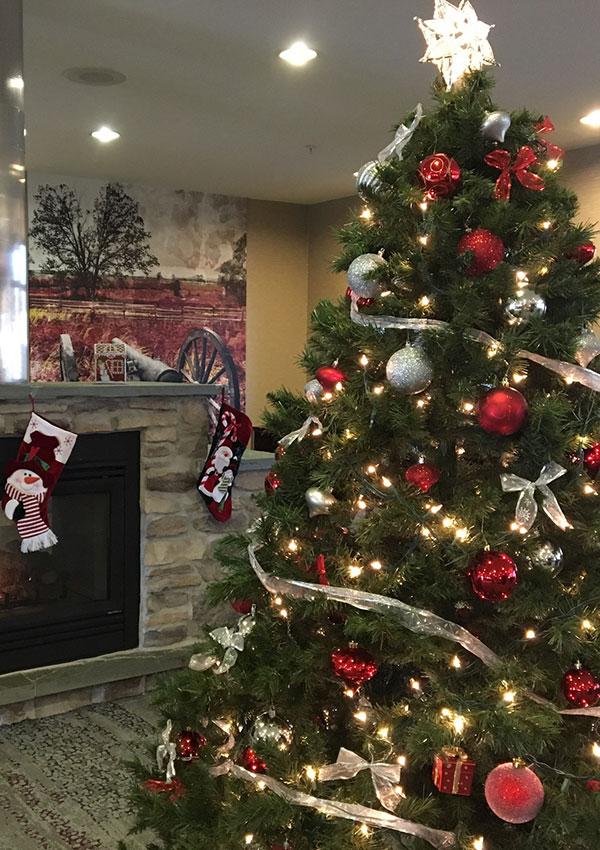 Christmas Tree at Gettysburg Hotel