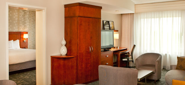 Courtyard by Marriott Gettysburg - King Suite